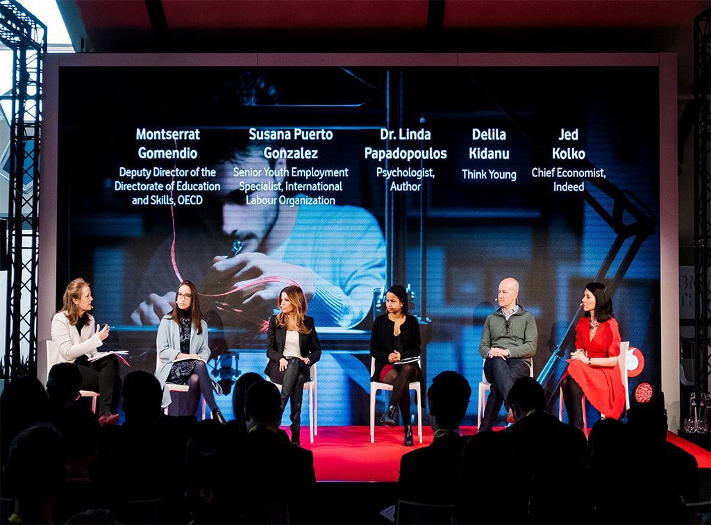Vodafone Gençleri Geleceğin Mesleklerine Hazırlayacak
