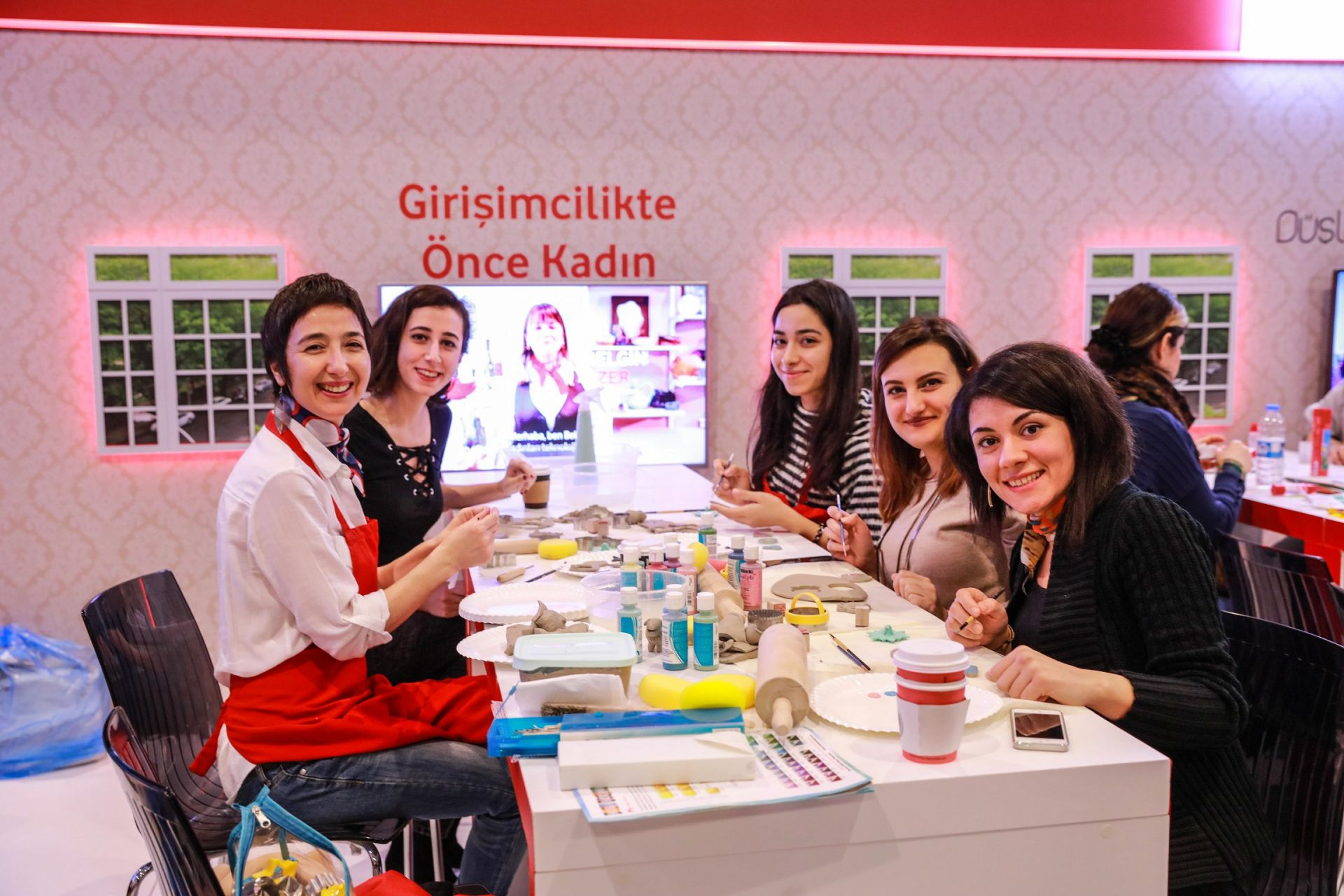 Vodafone'dan çalışanlarına yılda 2 gün gönüllülük izni