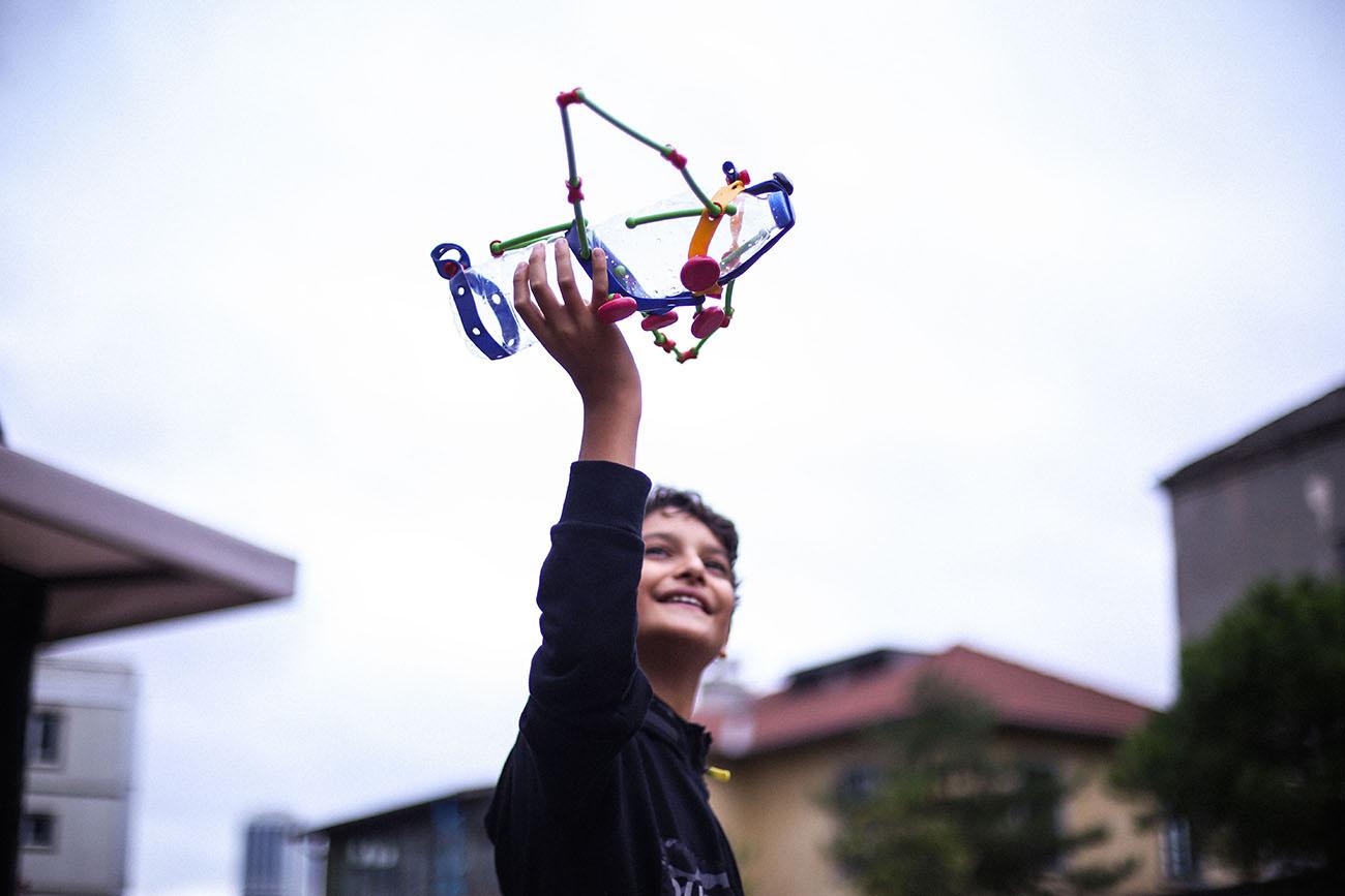 Her şeyi eşsiz oyuncaklara dönüştüren, sınırsız, yönergesiz yaratıcı oyun kiti: Toyi