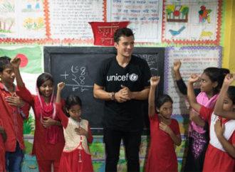 Orlando Bloom Bangladeş'in yoksul mekânlarında çalışan çocuklarla buluştu