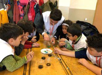 Bayer Genç Bilim Elçileri Kars'ta çocuklarla buluştu