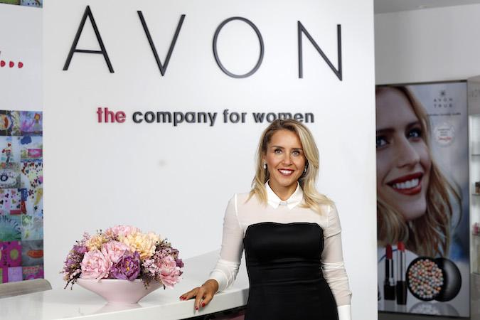 Avon, Cinsiyete Dayalı Şiddetle Mücadele Protokolü'nü hayata geçirdi